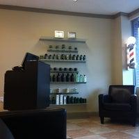 Das Foto wurde bei Piedmont Barbers von Malcolm M. am 3/13/2012 aufgenommen