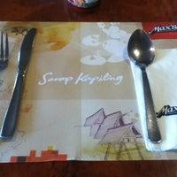 7/10/2012 tarihinde Danzell E.ziyaretçi tarafından Max's Restaurant'de çekilen fotoğraf