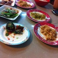 Photo taken at ร้านอาหาร 199 บขส.สีคิ้ว by ????????? ?. on 7/10/2012