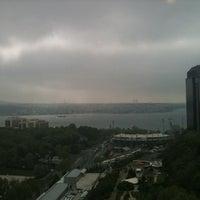 4/29/2012 tarihinde Gonzalo O.ziyaretçi tarafından Hilton Istanbul Executive Lounge'de çekilen fotoğraf