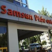 Foto tomada en Samsun Pide Evi por Polat T. el 6/18/2012