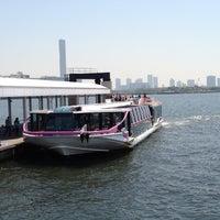 Photo taken at 日の出桟橋 水上バス乗り場 by natsuko on 5/19/2012