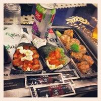 Foto tirada no(a) Fujisan Sushi por Danton B. em 4/20/2012
