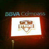 รูปภาพถ่ายที่ BBVA Compass Stadium โดย Ernest เมื่อ 7/26/2012