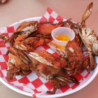 Photo taken at Phillips Seafood by Chris Y. on 8/11/2012