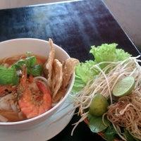 Photo taken at Mì Quảng Ngon Phan Thiết by Nguyen D. on 6/11/2012