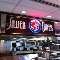 Photo taken at Silver Diner by Ric A. on 3/17/2012