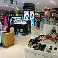 Photo taken at Robinson by Anusit S. on 6/12/2012