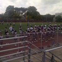 Das Foto wurde bei Curtis High School von Dequency Y. am 9/8/2012 aufgenommen