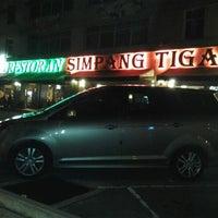 Photo taken at Restoran Simpang Tiga by Moza Z. on 4/30/2012