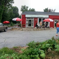 Photo taken at Upcountry Provisions Bakery & Bistro by Brad S. on 8/4/2012