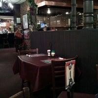 Photo prise au Luigi's Italian Restaurant par Ken I. le4/18/2012