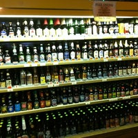 Photo taken at Tom's Farms Cheese and Wine Shoppe by Teresa C. on 8/15/2012