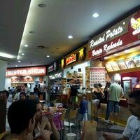 Photo taken at Cataratas JL Shopping by Aldo N. on 2/19/2012