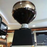 Photo taken at Bambaras Bar e Restaurante by Diogo M. on 2/17/2012