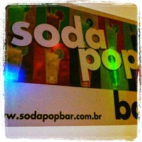 Foto tirada no(a) Soda Pop Bar por George em 7/28/2012