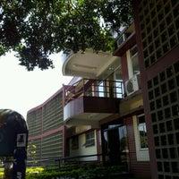 Photo taken at Centro de Línguas para a Comunidade (CLC) by Wallace C. on 9/11/2012