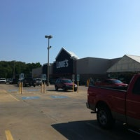 Photo taken at Lowe's Home Improvement by Bill T. W. on 6/23/2012