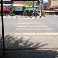 Photo taken at ท่ารถ ท่าเรือ-กาญจนบุรี by Disapong Kachenchorn M. on 4/23/2012