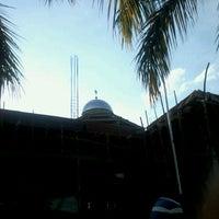 Photo taken at Masjid Agung Al-Mu'awwanah Sanggau by Agoes Z. on 6/5/2012