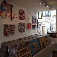 รูปภาพถ่ายที่ Urban Arts โดย Luana R. เมื่อ 7/2/2012