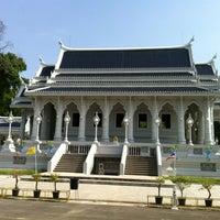 Photo taken at Wat Kaew Korawaram by Nutto A. on 3/17/2012