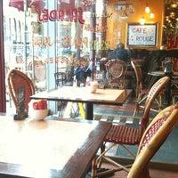 Photo prise au Café Rouge par •¥• Alexandra P. le4/27/2012