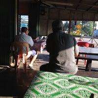 Photo taken at Roti Canai Jantan Janggut by jamilah j. on 4/7/2012