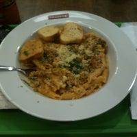 Foto tirada no(a) Spoleto Culinária Italiana por DIego M. em 6/15/2012