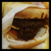 Photo taken at Original Tommy's Hamburgers by Johnnie H. on 2/11/2012
