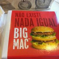 รูปภาพถ่ายที่ McDonald's โดย Henrique O. เมื่อ 8/25/2012