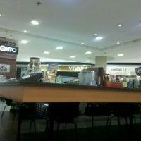 Photo taken at Café Do Ponto by Matheus M. on 4/22/2012