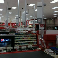 Снимок сделан в Target пользователем Randi W. 7/17/2012