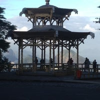 Photo taken at Vista Chinesa by Mateus R. on 7/19/2012