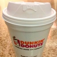 Das Foto wurde bei Dunkin' Donuts von Gheren V. am 8/23/2012 aufgenommen