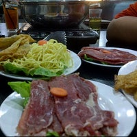 Photo taken at Segi Seri Steamboat by Nurul H. on 5/2/2012