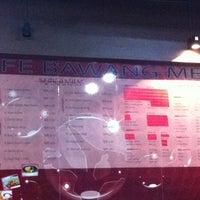 6/20/2012 tarihinde achoyziyaretçi tarafından Cafe Bawang Merah'de çekilen fotoğraf