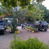 รูปภาพถ่ายที่ Kolam Renang Gelanggang Sunter โดย Novita P. เมื่อ 3/11/2012