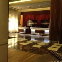 Photo taken at Renaissance Atlanta Midtown Hotel by Tim P. on 3/25/2012