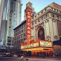 Foto tomada en The Chicago Theatre  por Jeremy J. el 6/27/2012
