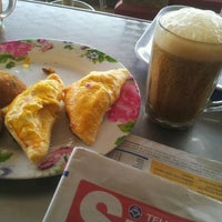 Photo taken at Pagoh Kopitiam by Shamsulbahri S. on 3/31/2012