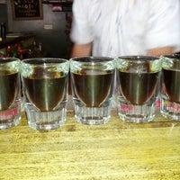 Foto tirada no(a) Black Magic Voodoo Lounge por Tara V. em 6/30/2012