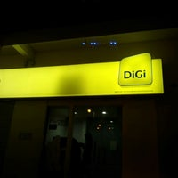 Photo taken at DiGi Store™ by Mohd Haffiz on 6/13/2012