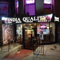Das Foto wurde bei India Quality Restaurant von Richard W. am 5/17/2012 aufgenommen