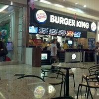 Foto tirada no(a) Burger King por Anderson B. em 2/23/2012