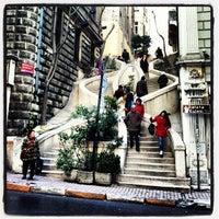 2/12/2012 tarihinde Berke H.ziyaretçi tarafından Kamondo Merdivenleri'de çekilen fotoğraf