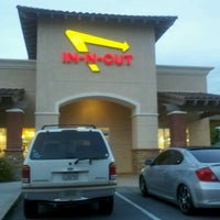 Photo taken at In-N-Out Burger by Rindy S. on 4/17/2012