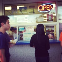 Photo taken at Handel's Ice Cream by Will L. on 8/8/2012