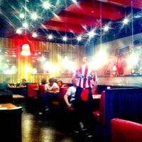 Снимок сделан в T.G.I. Friday's пользователем Philipp T. 8/4/2012