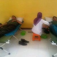 Photo taken at Pengadilan Negeri Selong by Regina T. on 2/29/2012